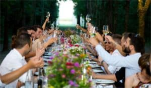 How to Give An Effective Special Occasion Speech? 2 Main Tips
